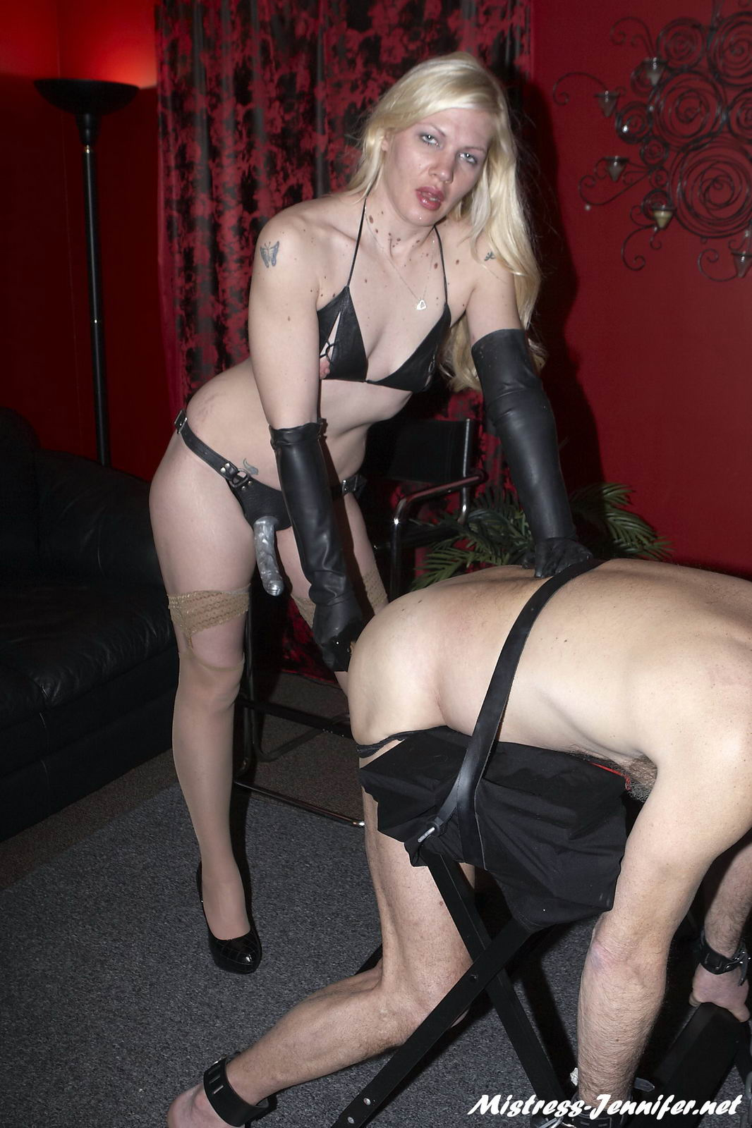 Dominatrix Ariel firm session