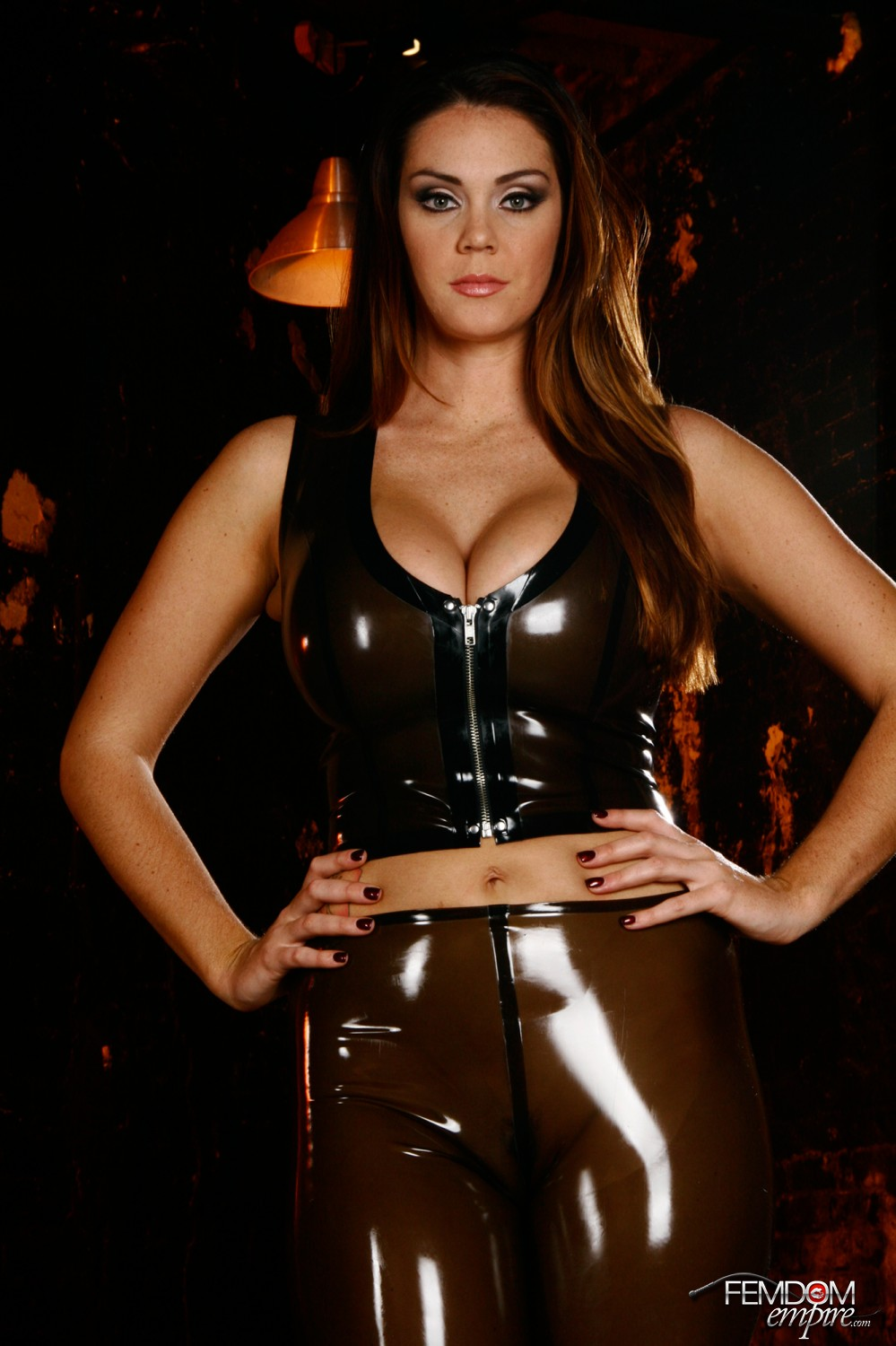 Amazon Alison Tyler demonstrates off her molten bod in curve hugging latex.