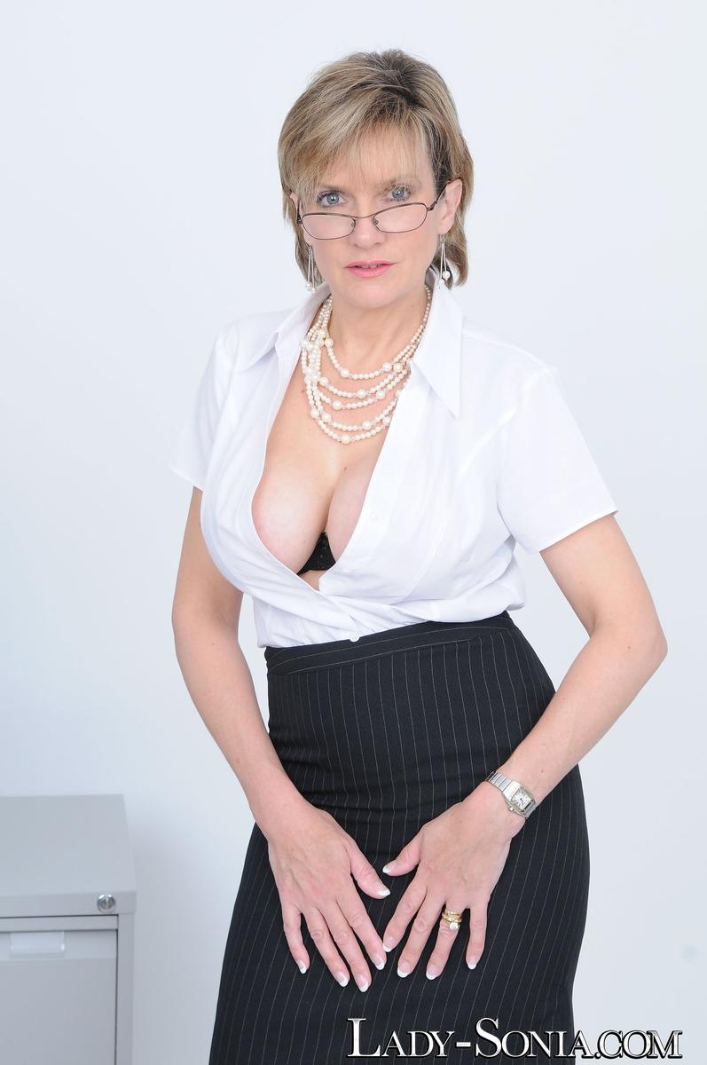 damsel sonia secretary
