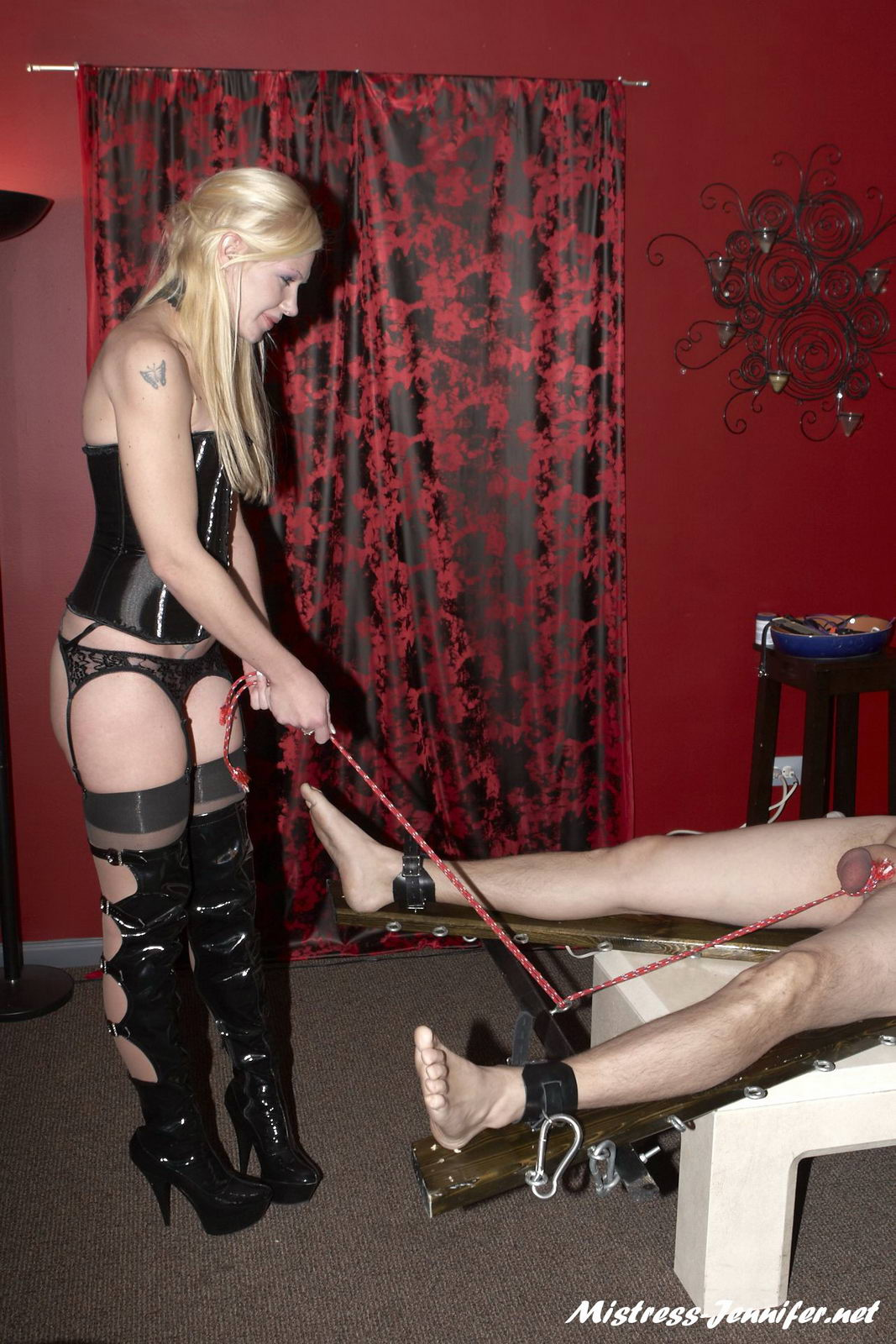 MAN-MEAT BALL TORMENT Session with Mistress Ariel