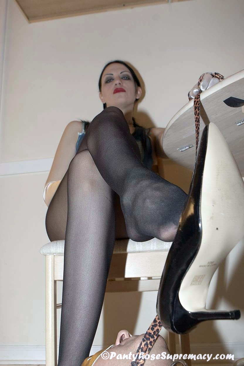 Domme Danielle in activity in Plugged