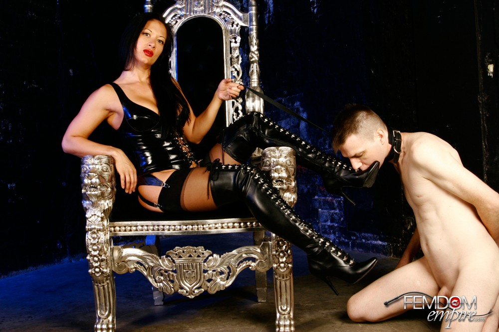 Mistress Jasmine Shoe Idolize
